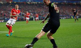 Napoli, Benfica reach last-16 after Besiktas' meltdown in Ukraine