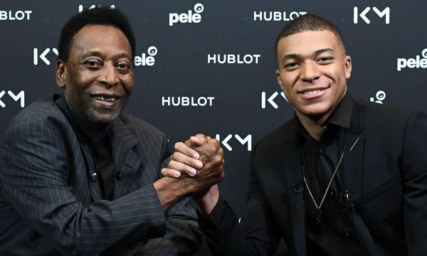 Pele shows to Mbappes how to become the best in the world: You're not the king yet