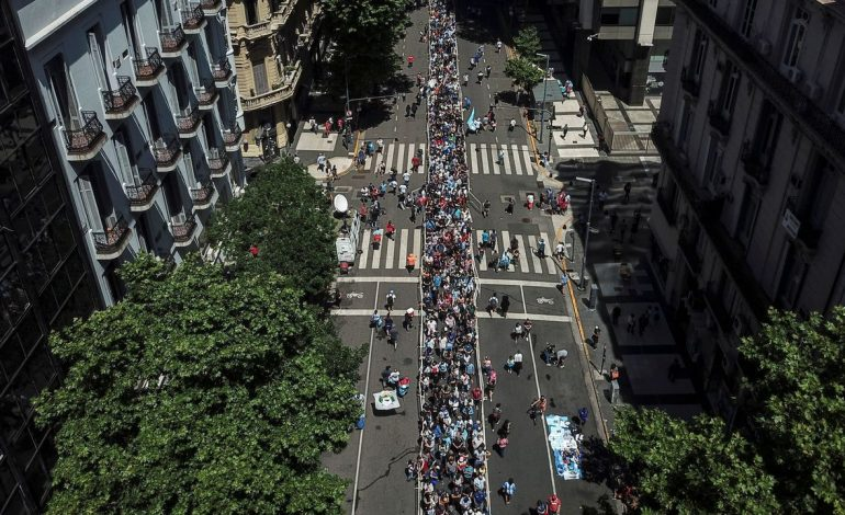 Gallery: Thousands take to the streets in Argentina to honor Maradona